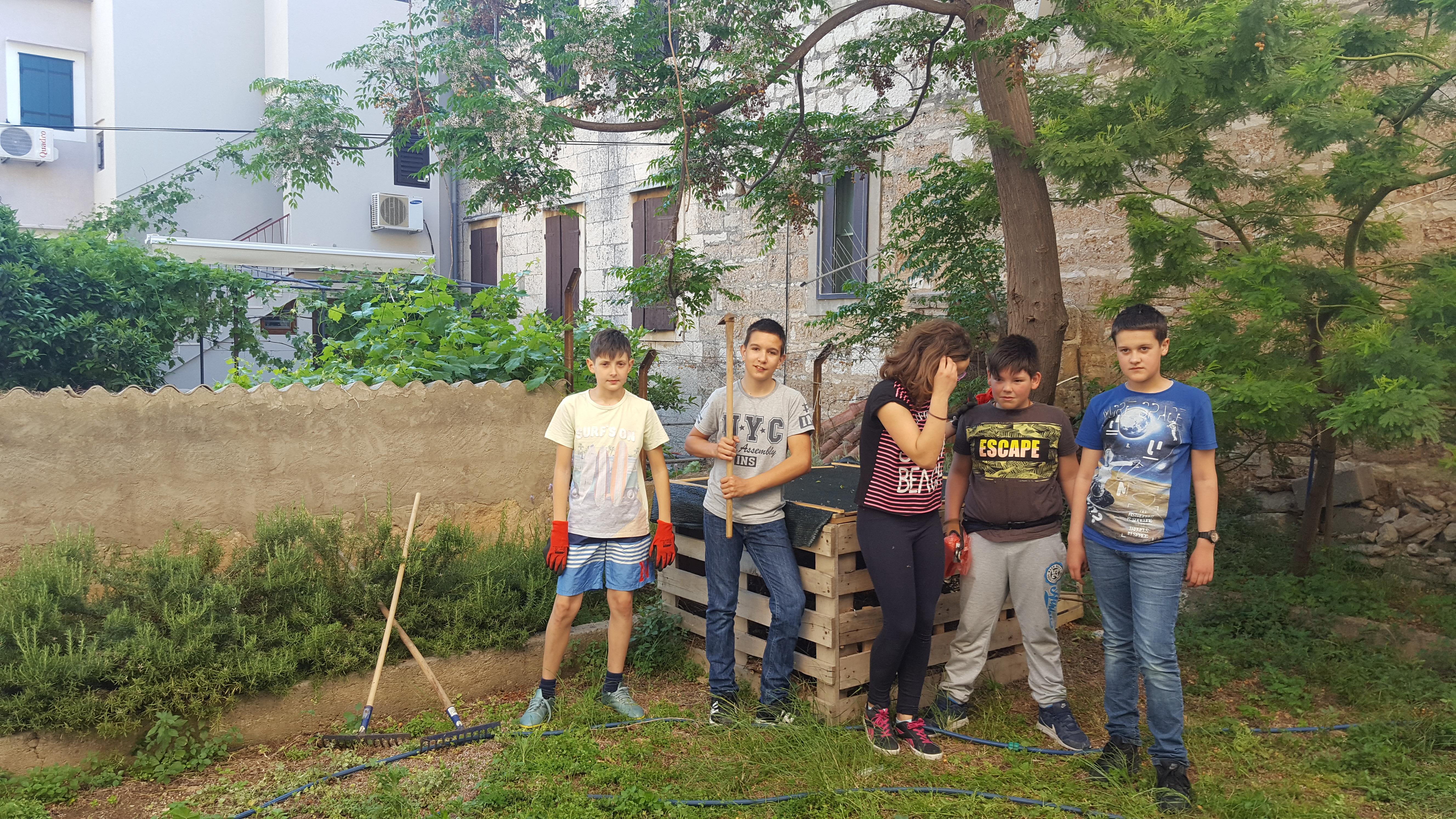Otpad nije smeće-kompostirajmo za vrtove veće! – Primjena odgovornog postupanja s otpadom u osnovnim školama i vrtićima